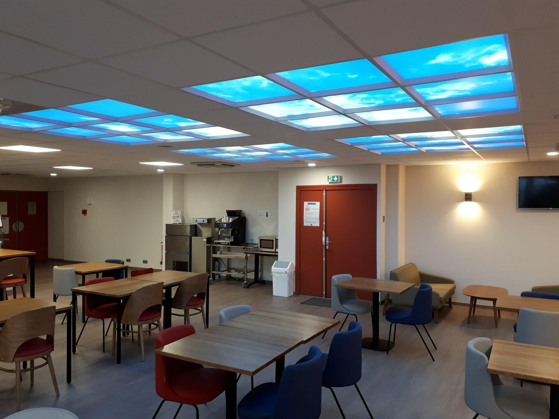 plafond lumineux Led cumulux au conseil général des Alpes maritimes