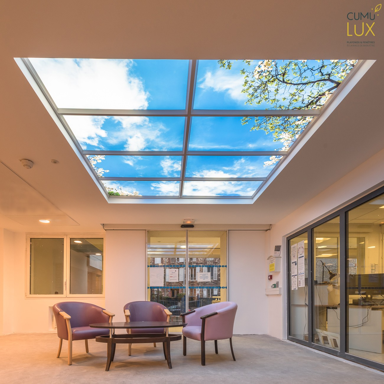 Plafond lumineux à l'Ehpad Gourlet Bonptemps -hall d'accueil