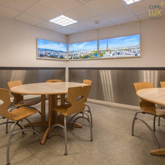 Installaltion dans une salle de repos de la SNCF gare de Lyon de fausses fenêtres cumulux