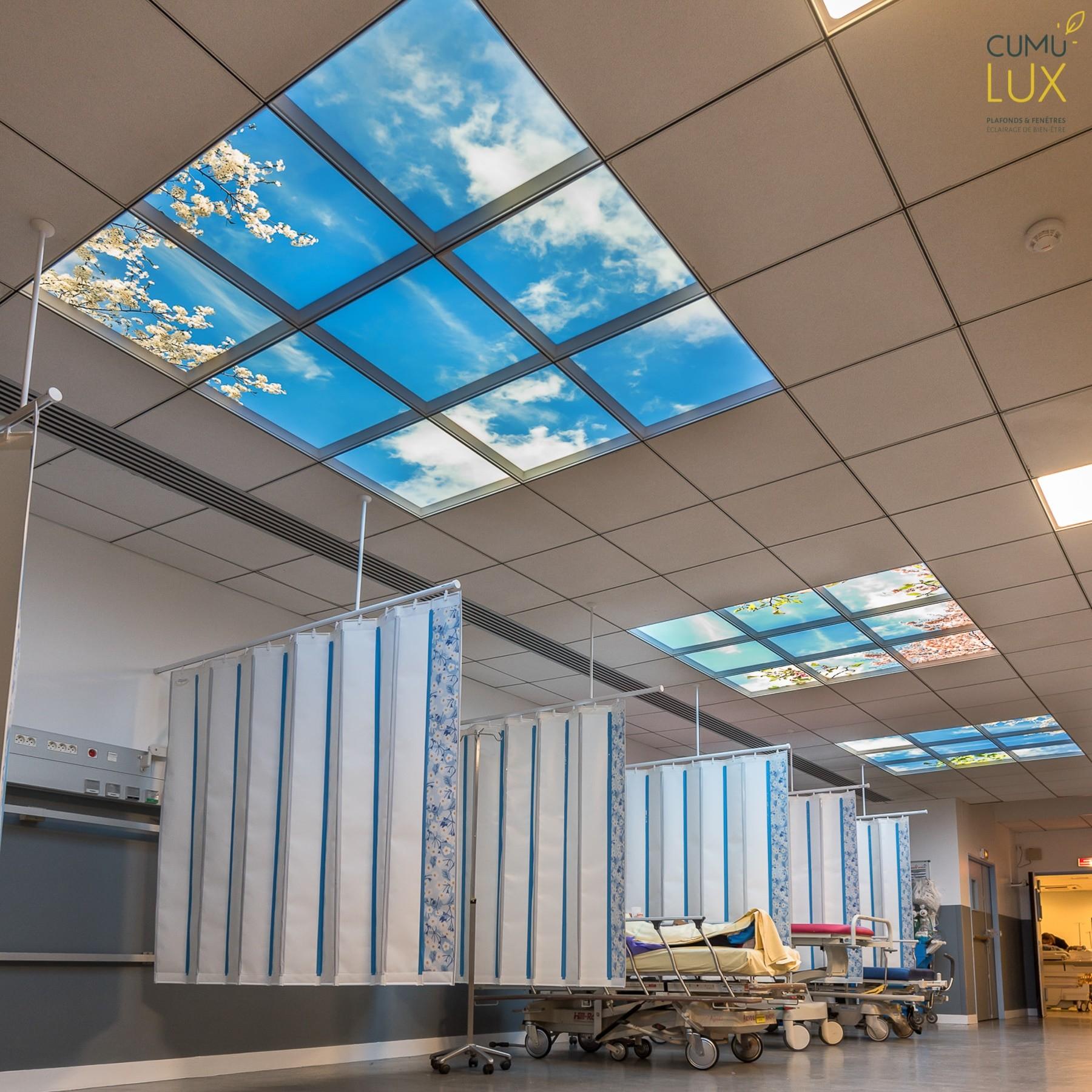Plafonds lumineux cumulux Salpêtrière - Salle d'Attente Brancard