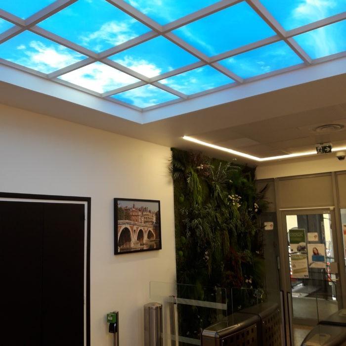 Hall d'accueil plafonds plafond lumineux cumulux ciel LED encastré dans le faux plafond