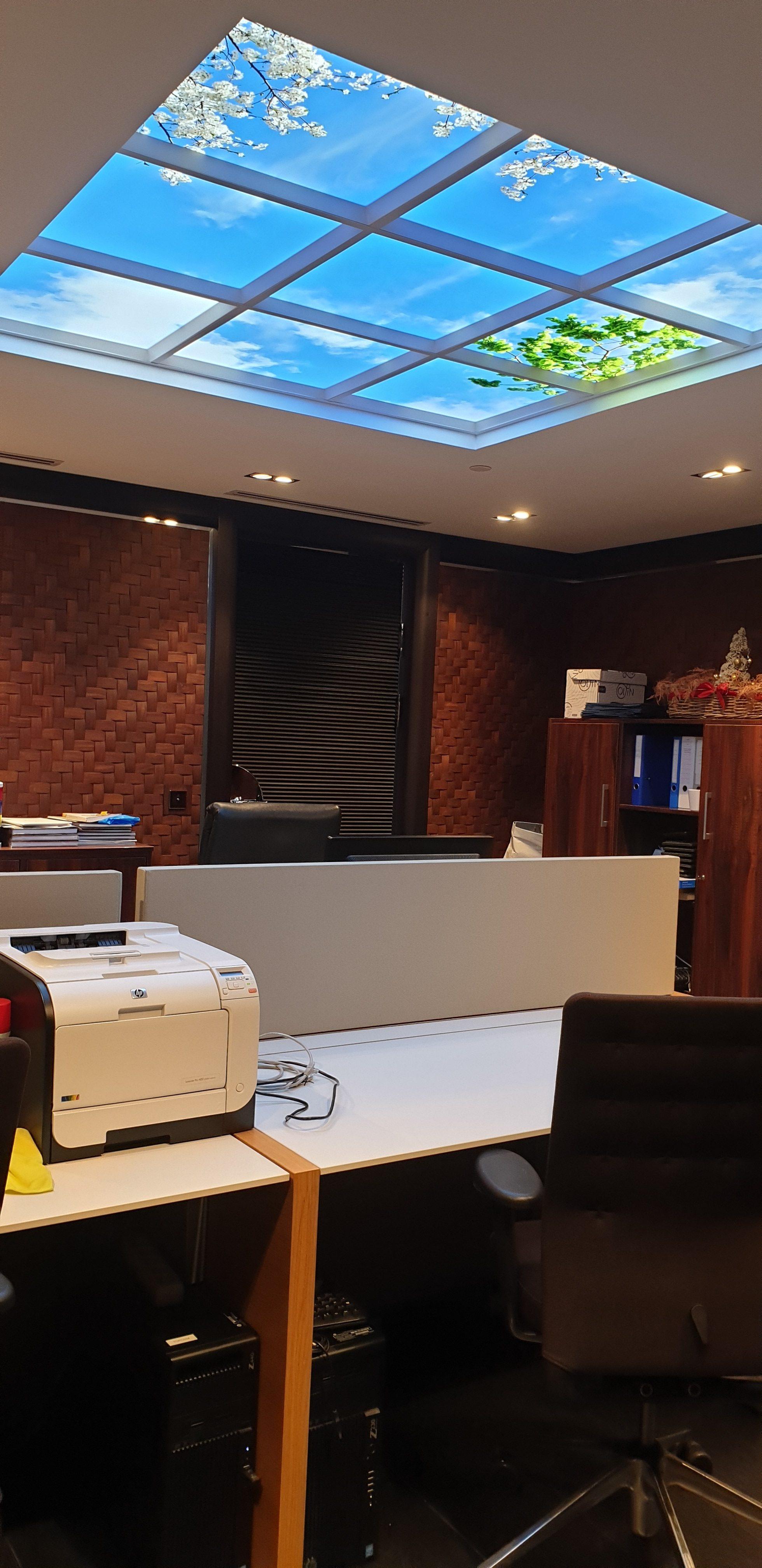 plafond lumineux cumulux encastré dans le faux plafond en placo