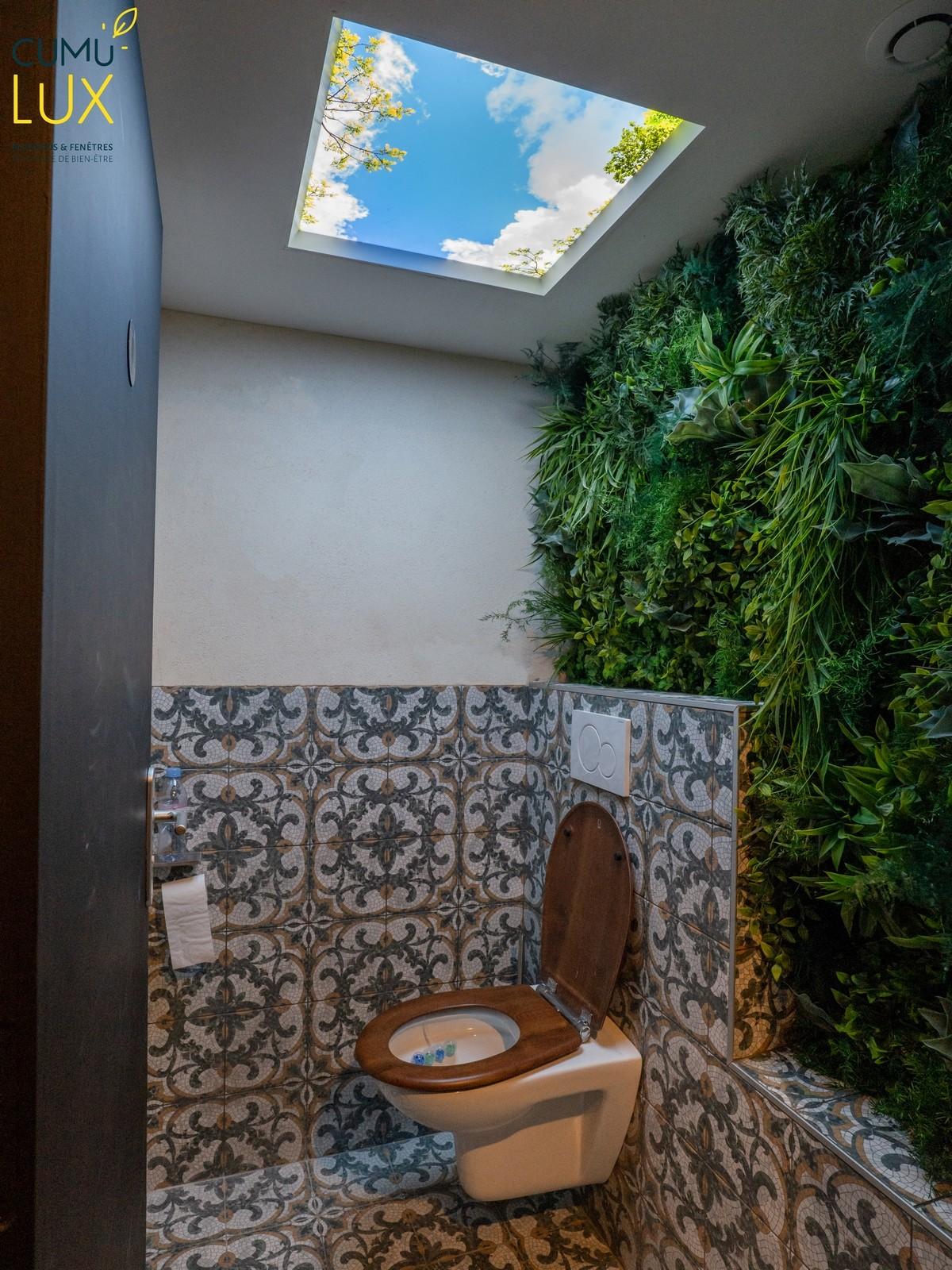 Installation d'une dalle 60x60 cm Cumulx pour des toilettes.